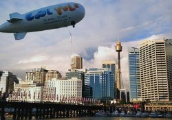 Cool_Yule_Darling_Harbour_Blimp